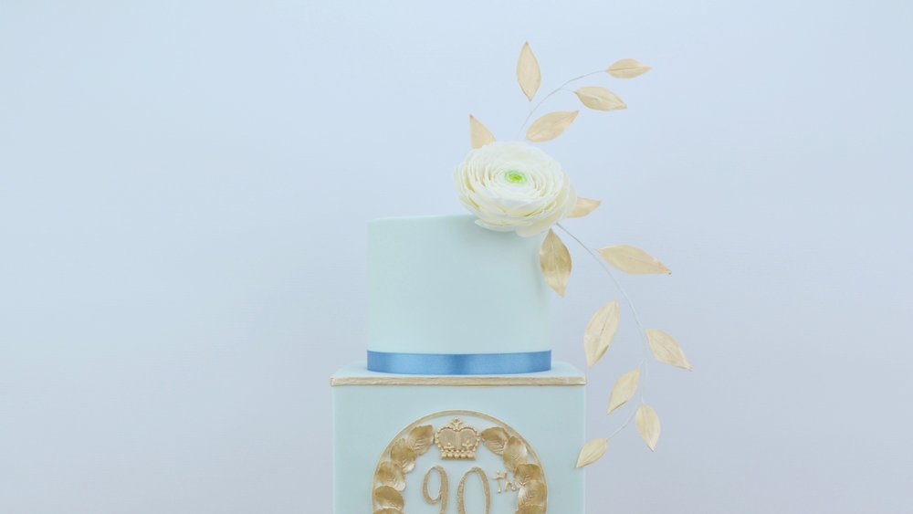 Queen's Birthday - A special celebration cake for that extra special birthday!