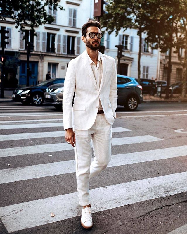 ™ Elegant streetstyle. ------------------------------- #Devallor #ModernGentleman #menwithstyle #mensfashion #menwithclass #stylishmen #gentleman #highfashion #gentstyle #accessories #mensaccessories #classy #classic #elegant #suit #meninsuits #outfit #ootd #ootdmen #notie #fashion  #MangoMan #stylebysimoes #beard #hairstyle #handsome #dapper #streetstyle #outfitinspiration  #dandy  Seen @nicolassimoes
