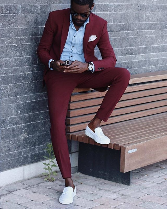 ™ Burgundy. Blue Plain Denim. ------------------------------- #Devallor #ModernGentleman #menwithstyle #mensfashion #menwithclass #stylishmen #gentleman #highfashion #gentstyle #accessories #mensaccessories #classy #classic #elegan #outfit #ootd #ootdmen #fashion  #dapperstyle #dapper #shades #denim #dressforsuccess #fashioninspiration #goldsuit #outfitinspiration #streetstyle #sneakers  Seen @el.vino