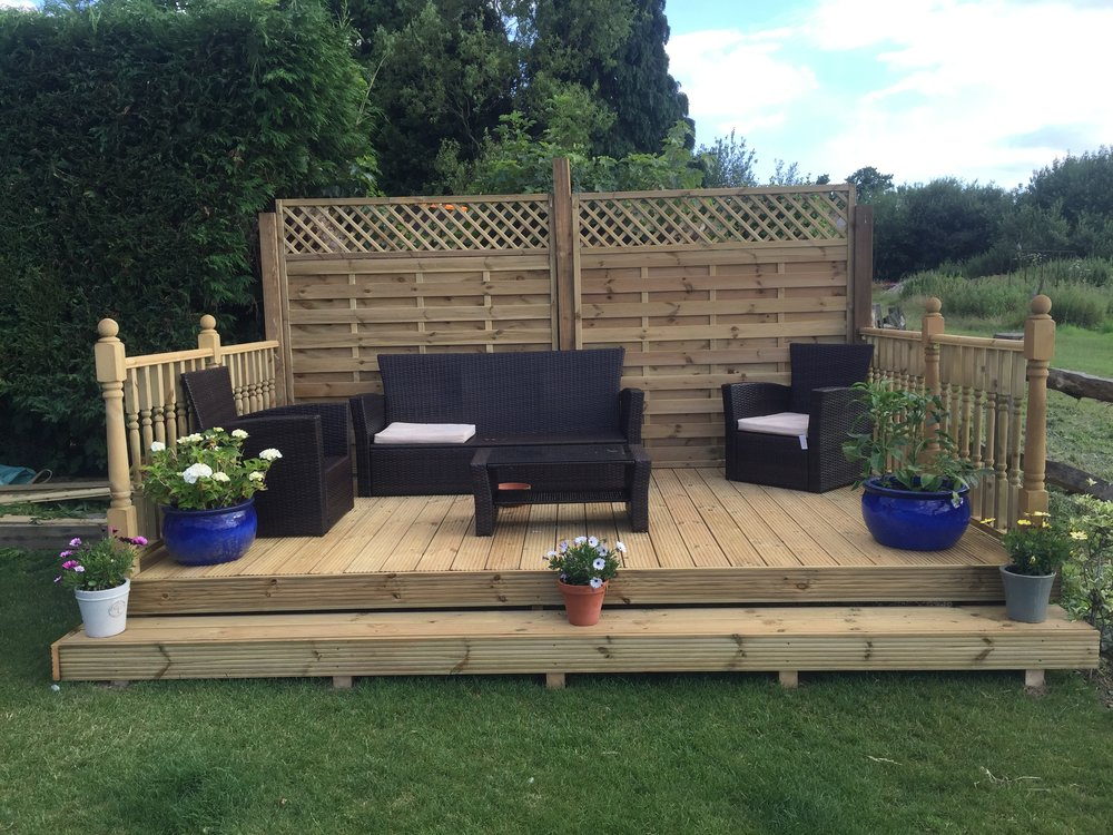 horsham-fencing-decking.JPG