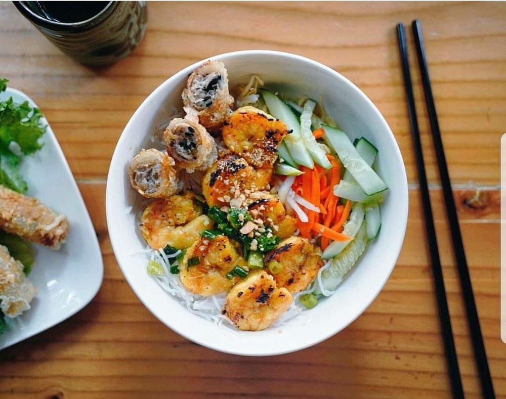 Grilled Shrimp & Fried Pork Spring Roll