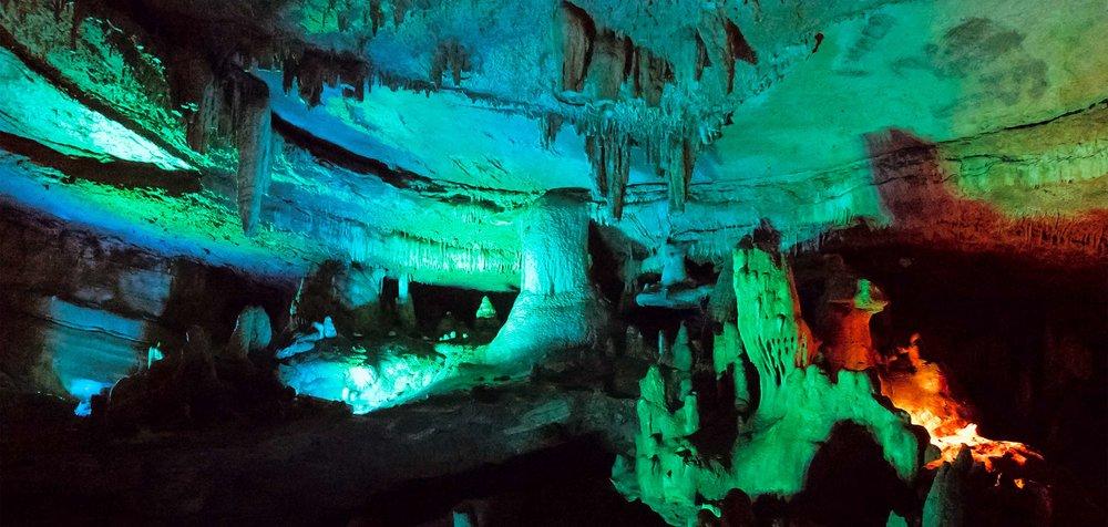 Пещера-Прогулка-Сатаплия-Динозавры-Археология-Парк-Грузия-Достопримечательности-NAMERANI.jpg