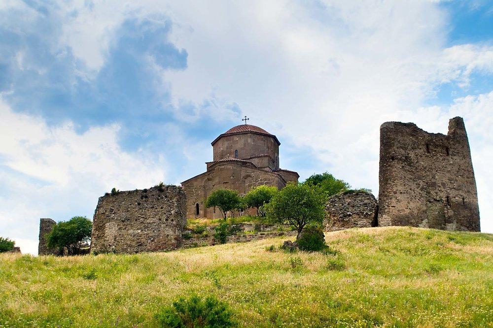Монастырь Джвари - Здесь Нино воздвигла один из поклонных крестов.