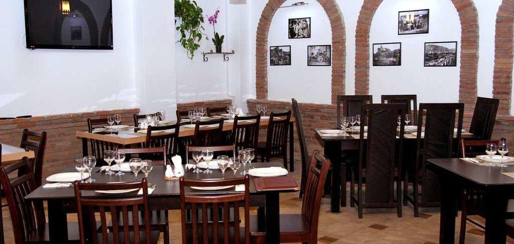 georgia-tbilisi-gt-dinner-hotel-NAMERANI.jpg
