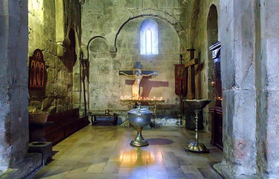 Внутреннее убранство собора -