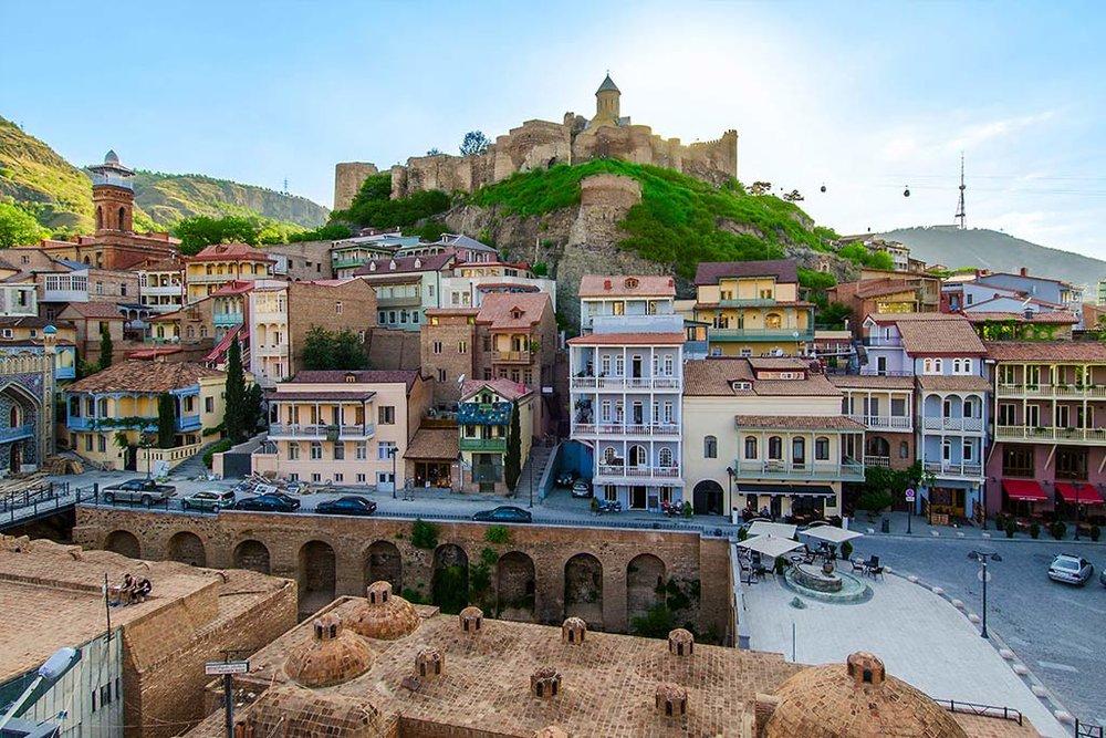 Обзорная-экскурсия-по-Тбилиси-старый-город-NAMERANI.jpg