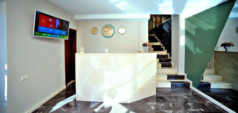 Ресепшн-Hotel-Hills-Batumi-NAMERANI.jpg