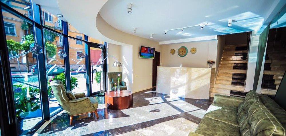 Ресепшн-2-Hotel-Hills-Batumi-NAMERANI.jpg