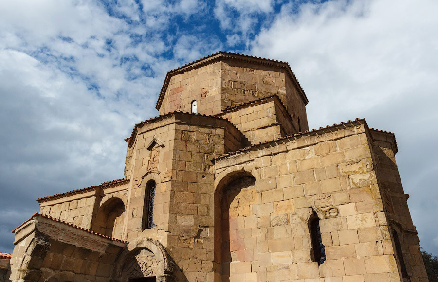 Монастырь-Джвари-Мцхета-NAMERANI-туры.jpg