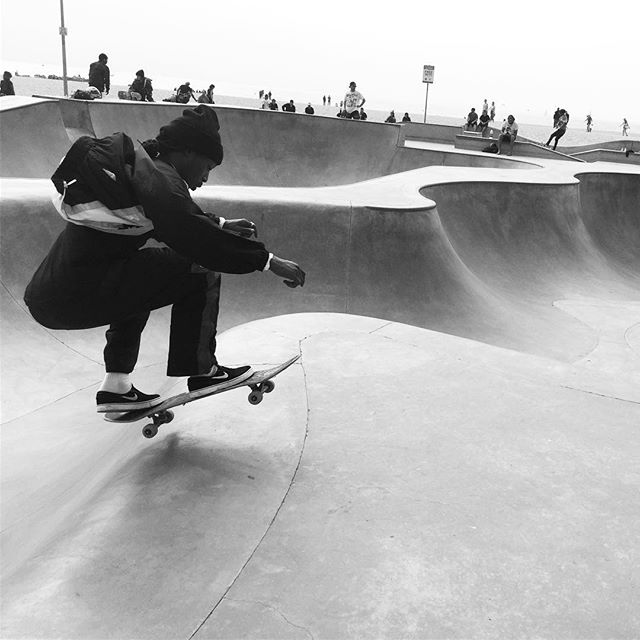 #halfpipe #skate #skateboarding #venicebeach #blackandwhite #picoftheday