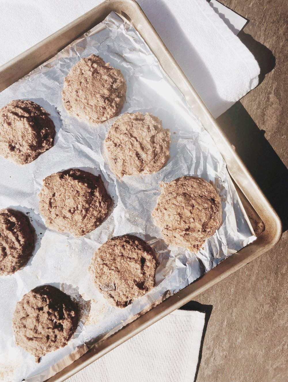 PALEO WALNUT CHOCOLATE CHIP COOKIES -