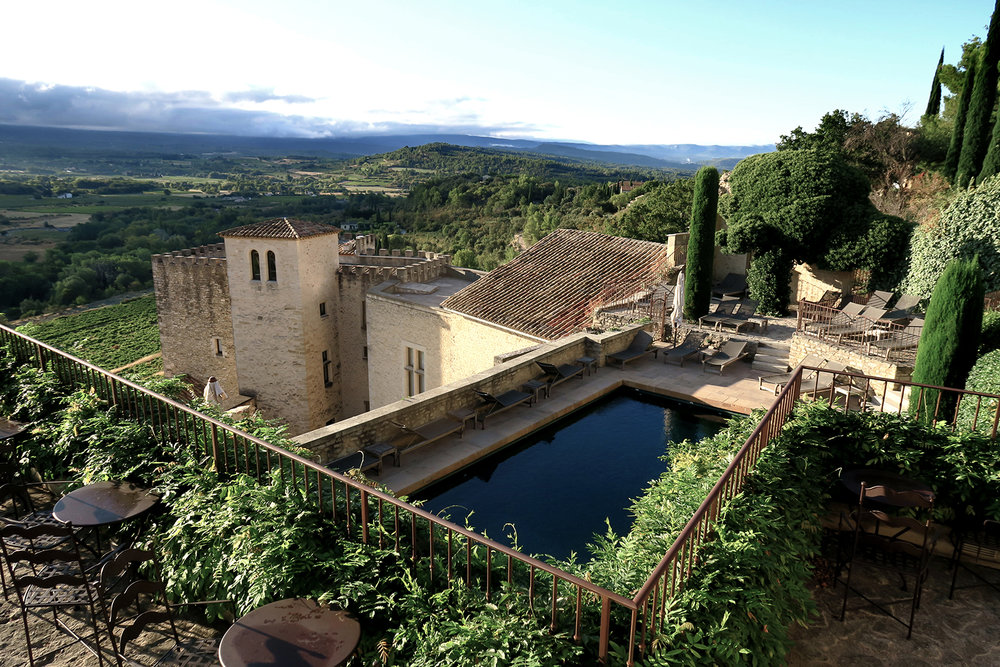 Light, luxury, tranquillity and voluptuousness: the spirit of CRILLON-LE-BRAVE