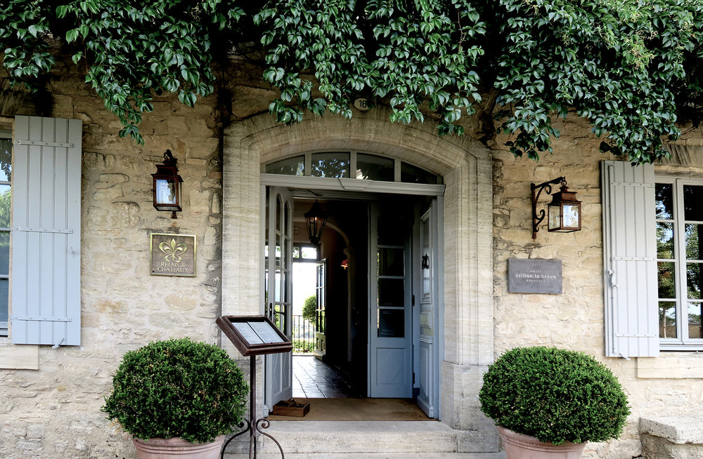 Welcome in the most romantic and secret of our favourite addresses, at the heart of French Provence region...
