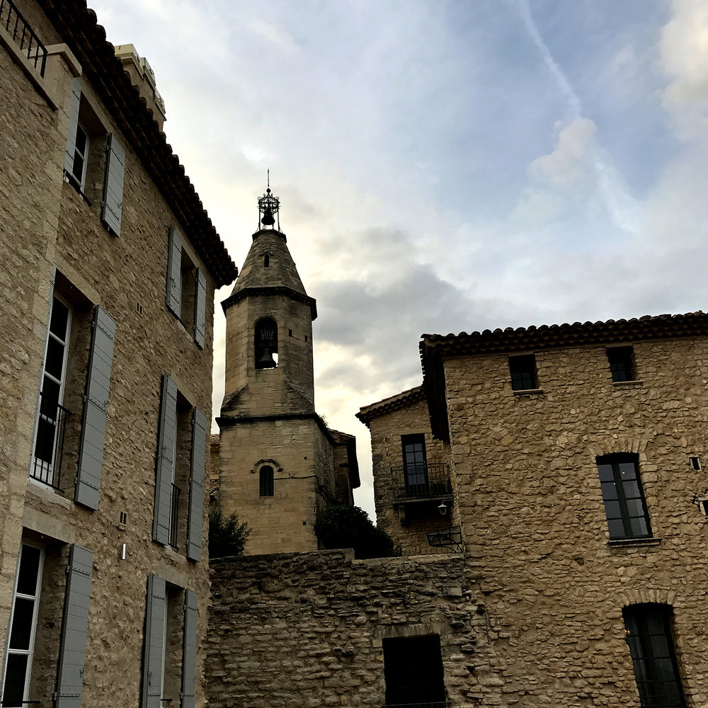 At the heart of one of Provence's most beautiful villages, set in stones loaded with histories and History, like a rare, golden gem.