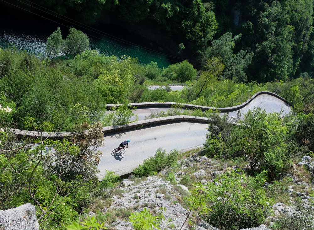 2. Vergemoli - 2.9 km, avg. 6.8%My newest discovery, this little piece of paradise is accessed through either Passo Sella or Garfagnana. The road takes you around the Pania della Croce, Panie being a series of peaks in the Apuane Alps and Croce trumps them all (see no. 1 why). It's a jewel; if you can dedicate a day to Vergemoli, don't pass it up. Oh, and stop for lunch in Barga and load up on pasta because you'll burn through kilojoules at the rate Juan Pelota did epo.