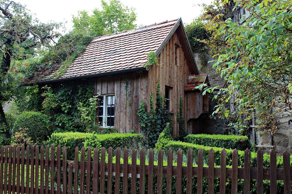 old-wooden-hut-456881_1280.jpg