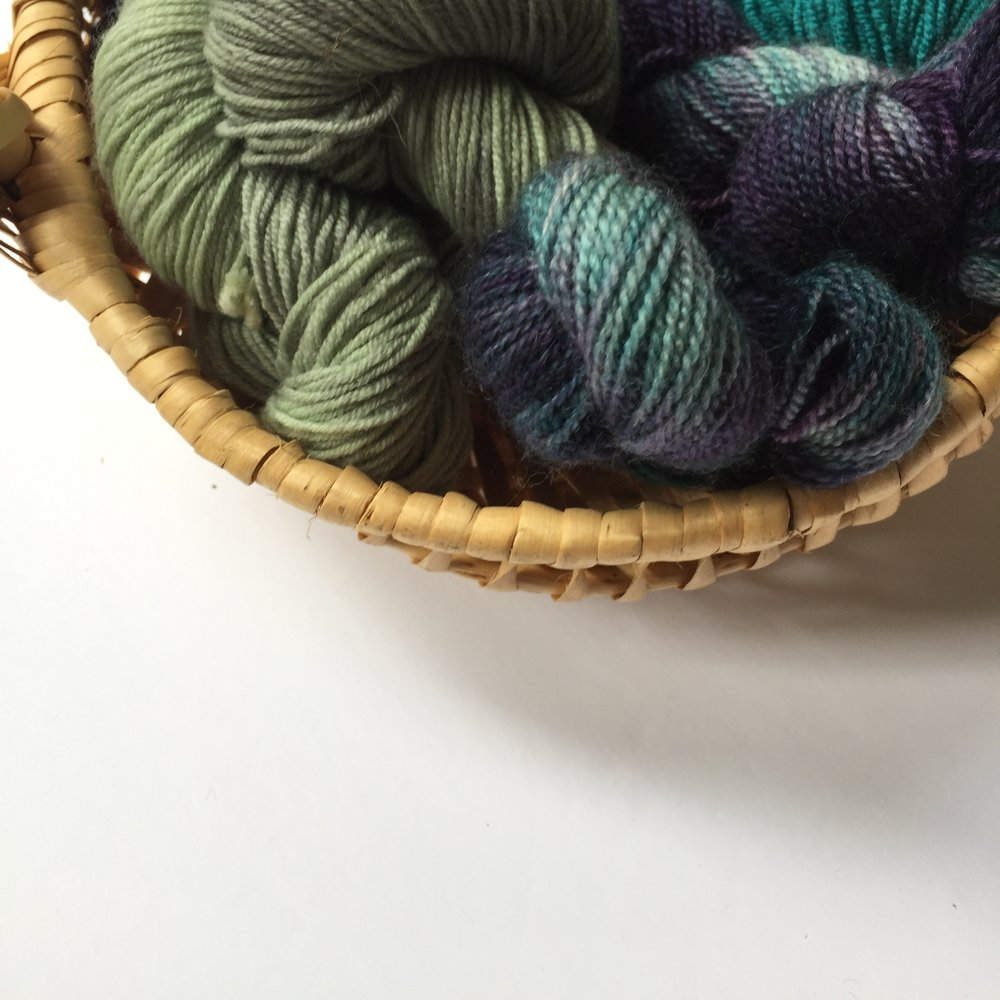 sheknitspurls_yarn_basket.JPG