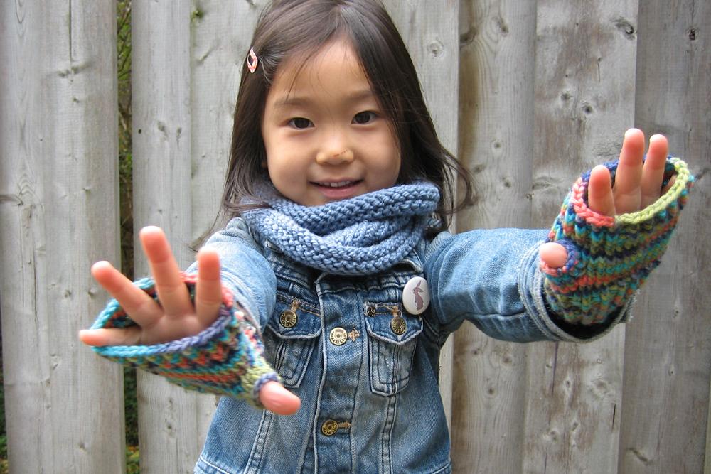 sheknitspurls_pattern_little_fingerless_gloves_4.jpg