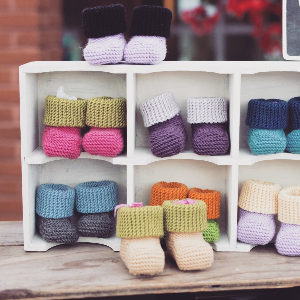 sheknitspurls-knit-baby-boots.JPG