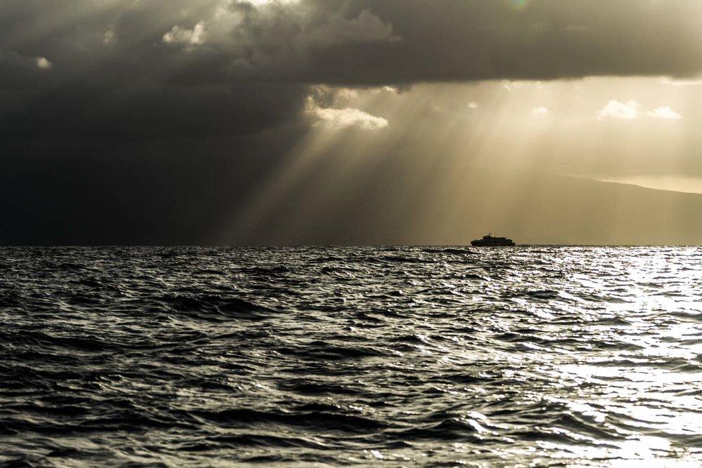 Navette maritime sous le soleil en Guadeloupe