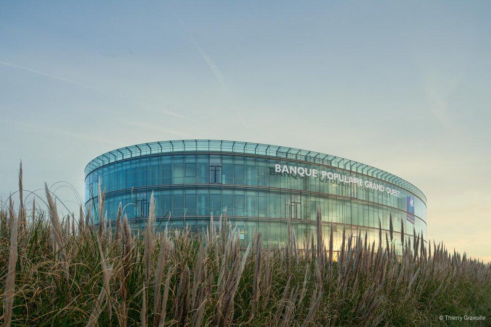 Architecture / Banque Populaire Grand Ouest à Saint-Herblain / Architecte(s) : D.M.T