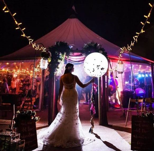 RISING HIGH BALLOONS. Based in East Anglia.     Website    A lovely lady who lifts venues and hearts with her stunning event decor, gorgeous balloon artistry and her sweet and caring personality.