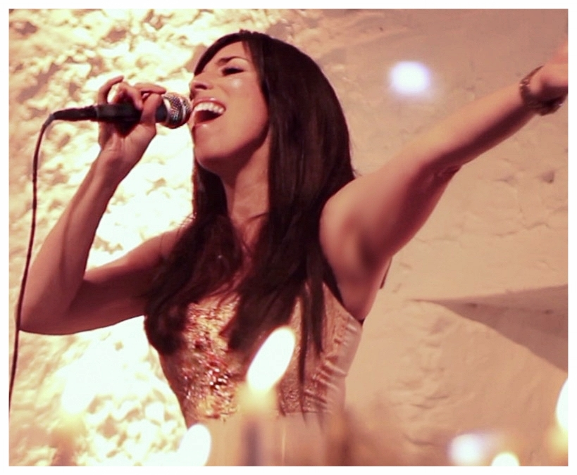 Georgia Singing .jpg