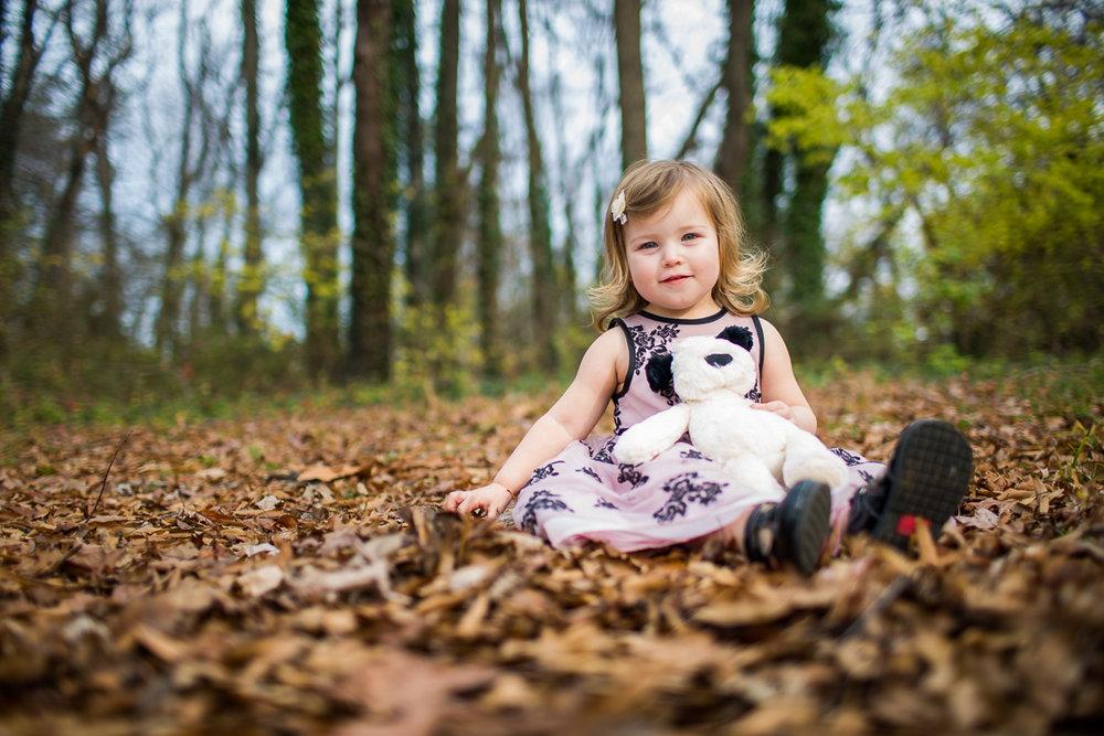 alexandria-va-holmes-run-trail-family-portraits-clara-09.jpg