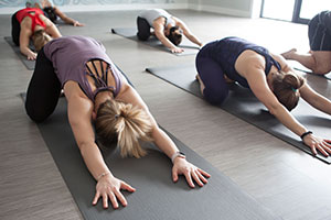 home_yoga2.jpg