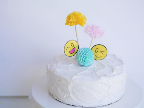 Emoji Party Ideas And Cake
