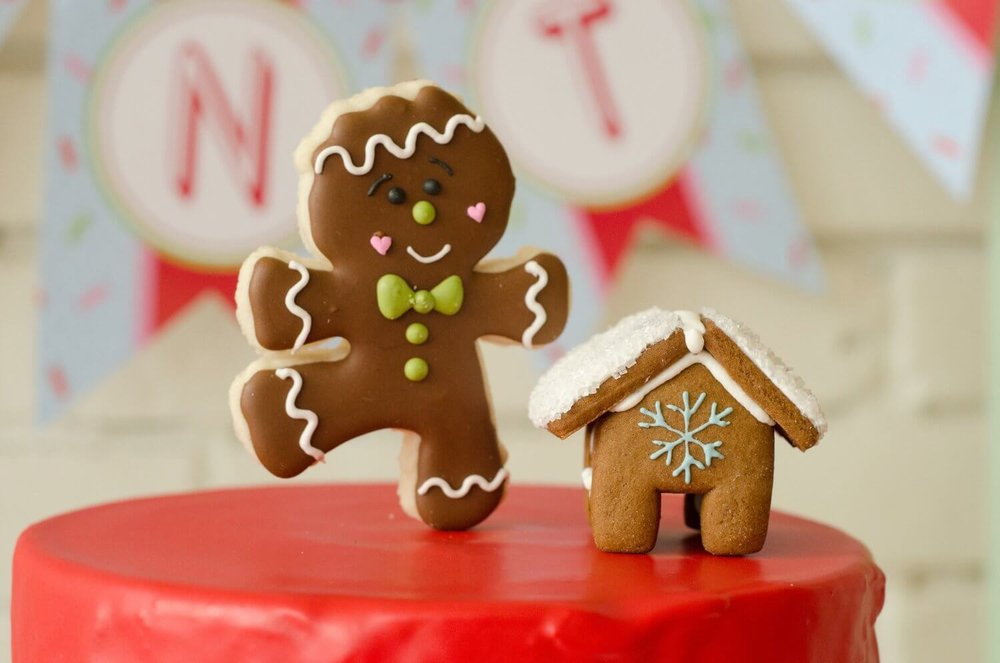 Perfect cake topper for a Cookies with Santa party, for a cookie exchange party and for a Gingerbread House party decor