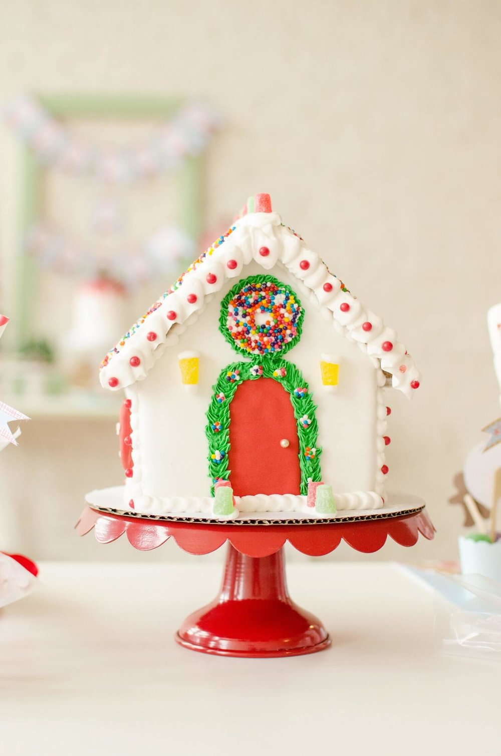 Gingerbread House Ideas and party decorations.