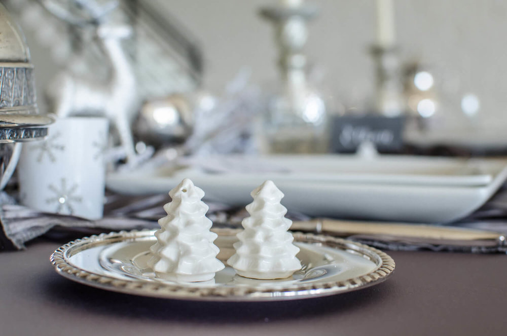 Winter wonderland table decor, perfect for a winter tablescape