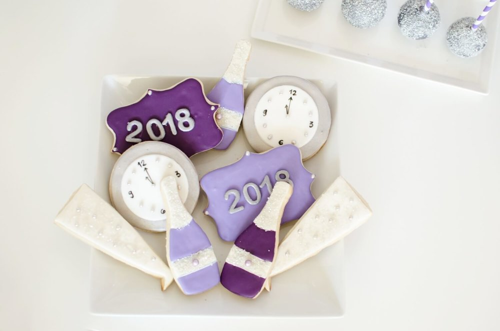 New Years cookies ideas!  Love the ultra violet and silver colors!