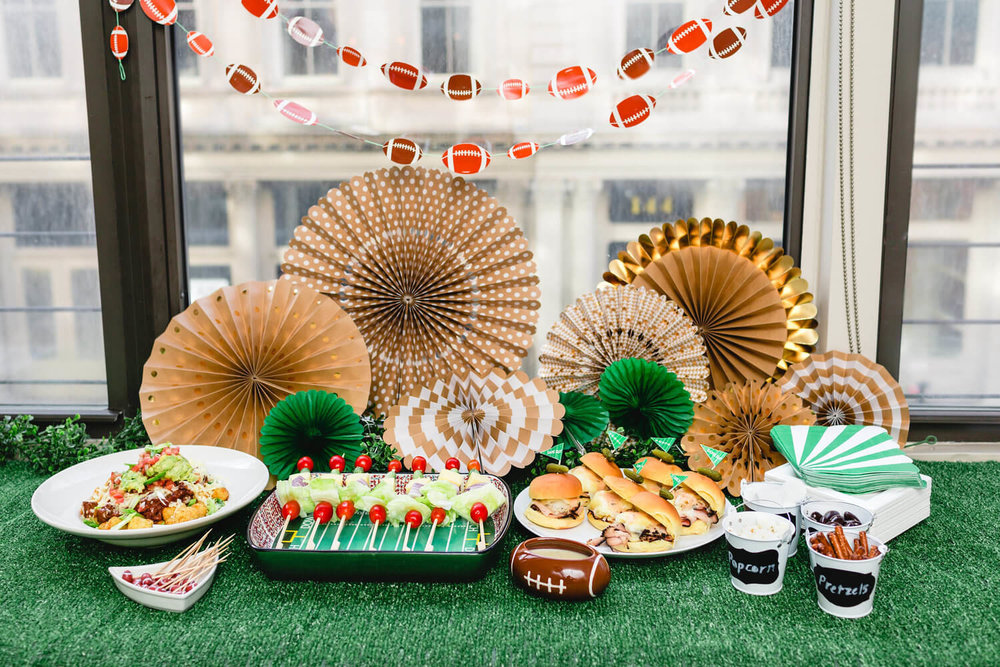 Game Day Party ideas / Game day snacks ideas / Super bowl party ideas / Easy recipes for game day / www.minteventdesign.com