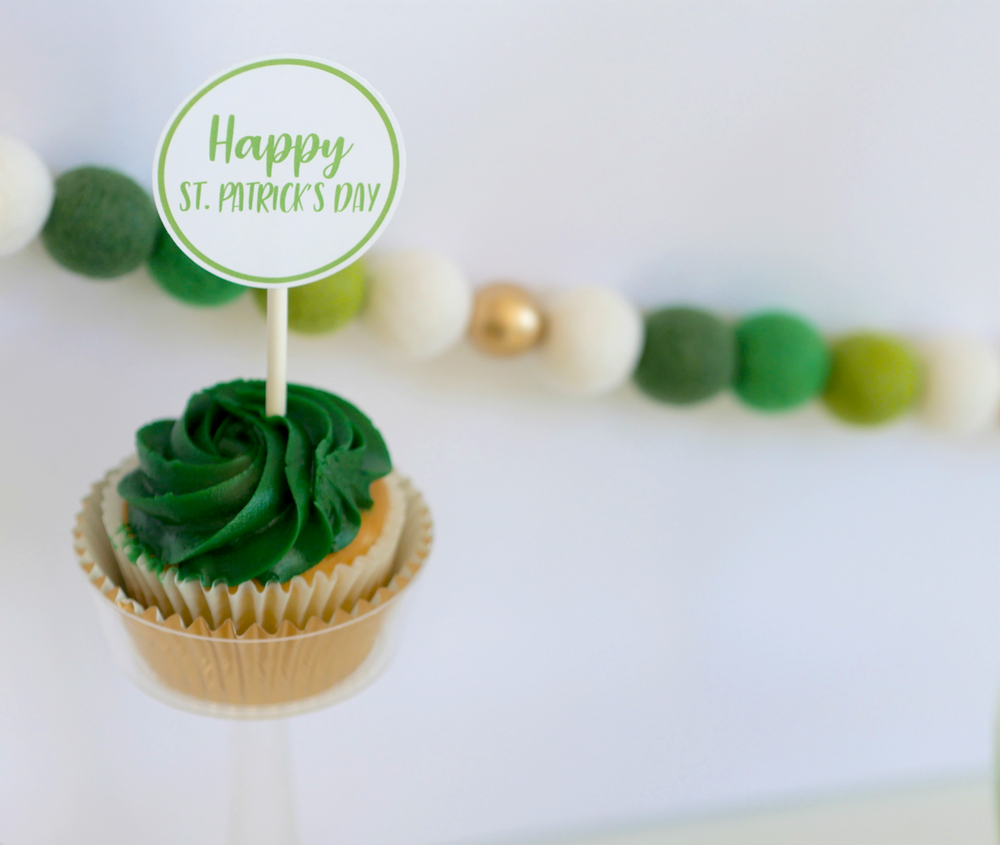 Download your FREE cupcake toppers for your Saint Patricks Day desserts. As seen on Mint Event Design www.minteventdesign.com #partyideas #partydecorations #freeprintables #saintpatricksday #stpatricksday #shamrock #cupcaketoppers