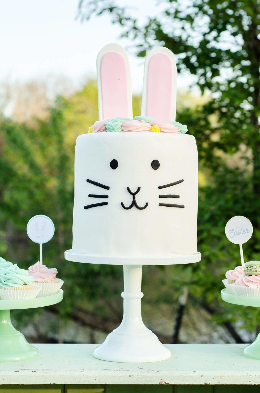 Easter dessert table ideas / Easter dessert table for kids /Easter dessert idea / Easter cake idea / Bunny cake idea / Styled by MINT Event Design / www.minteventdesign.com