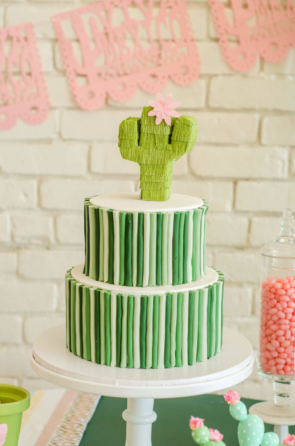 Cinco de Mayo party ideas / Cinco de Mayo desserts / Cinco de Mayo Cake idea / Cactus cake idea / Cactus Cake topper idea / Cinco de Mayo dessert table / Southwestern party ideas / Styled by Carolina from MINT Event Design / www.minteventdesign.com