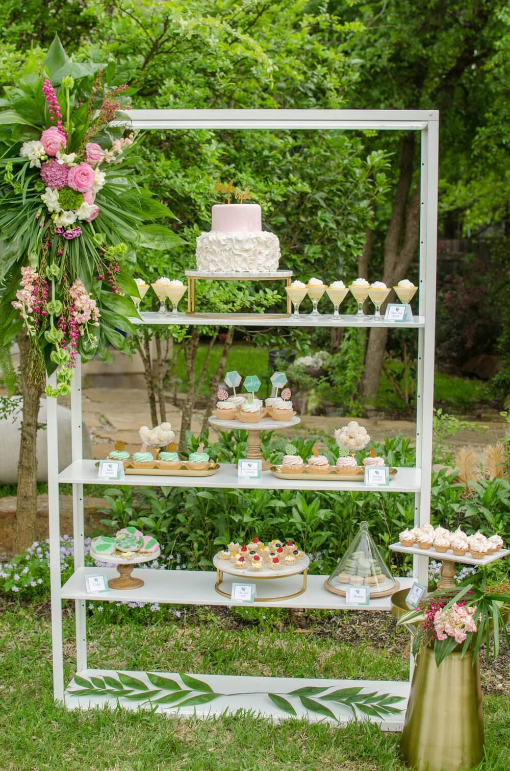 Outdoor-dessert-table-idea.jpg