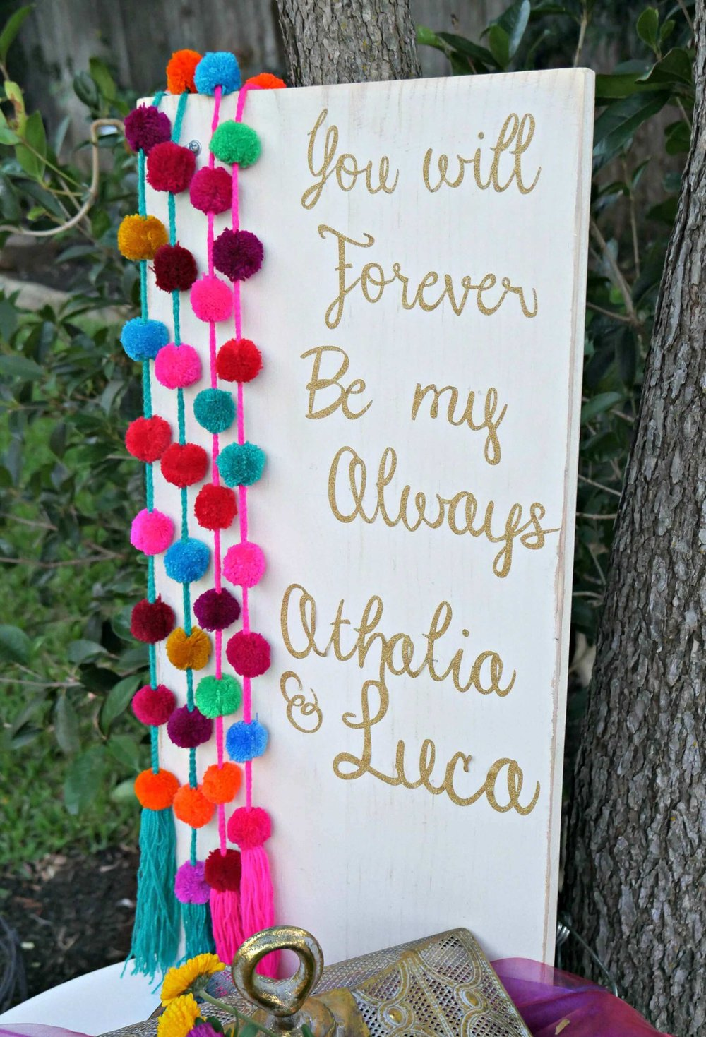 Create a DIY welcome sign using Cricut for any party - then the party guest can use it as home decor after the celebration. Designed by Mint Event Design in Austin Texas www.minteventdesign.com #engagementideas #welcometable #welcomesign #bohochic