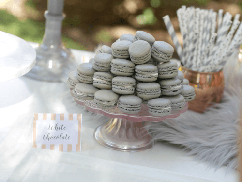 Who doesn't love macarons!? Love the different colors and mixture of textures on this dessert table!
