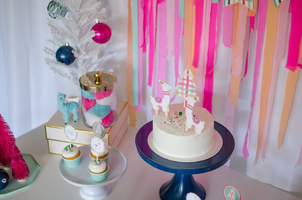 So many cute llama party ideas and decorations in this fa la la la llama holiday party from Mint Event Design. See more at www.minteventdesign.com and download your free printables #holidayparty #partyideas #christmasparty #holidaypartyideas #llamaparty #llamalove #partyprintables #freeprintables