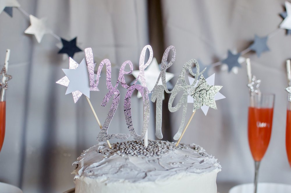 Love this Hello 2019 Cake topper!