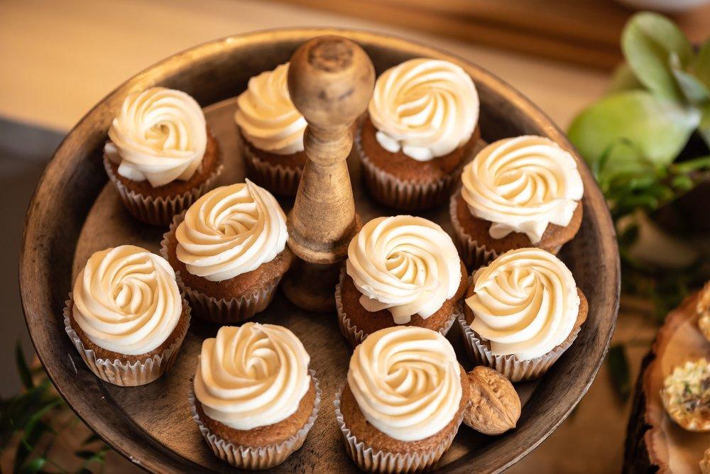Mini Cupcakes on rustic cake stand