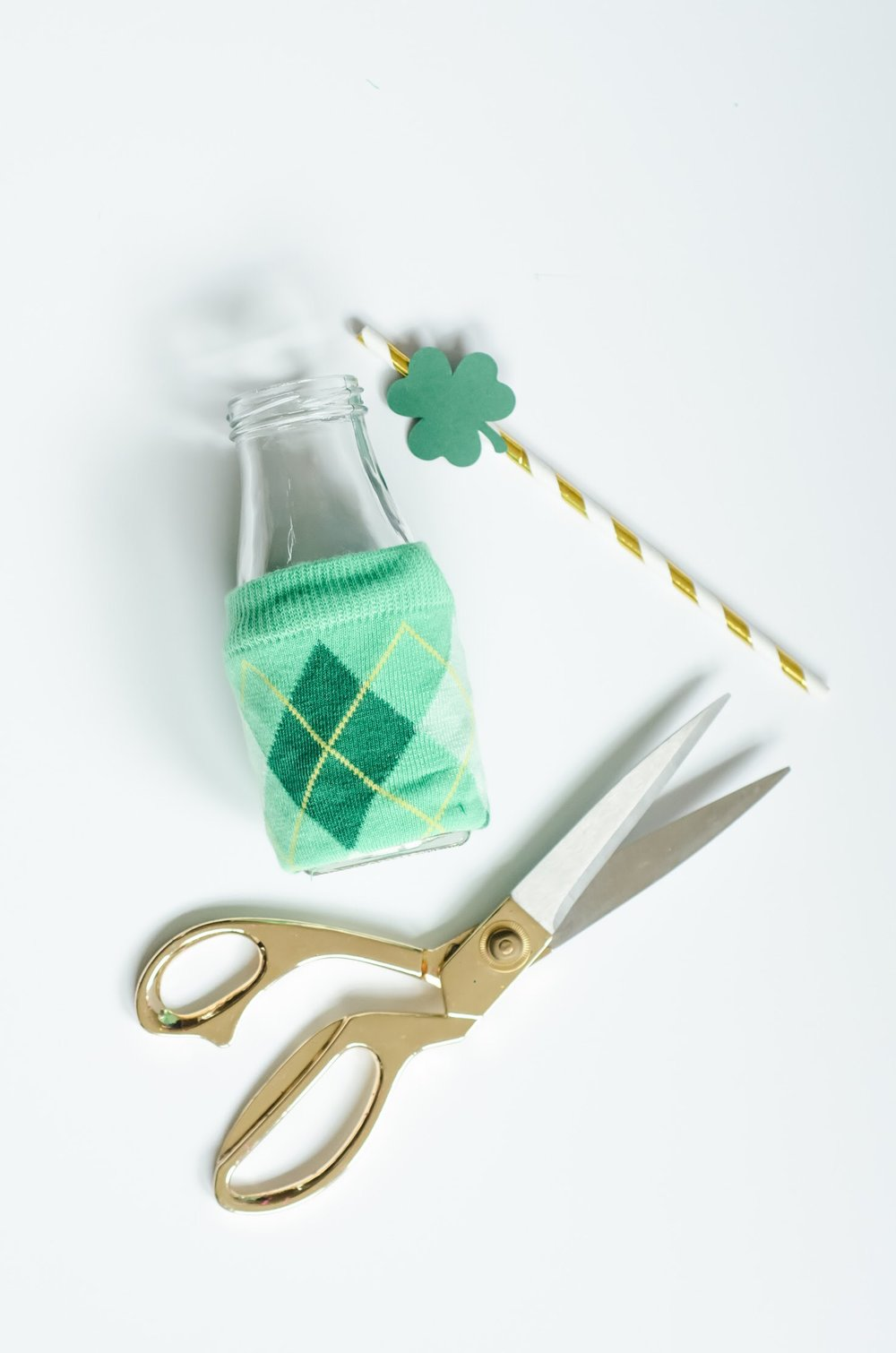 Easy to recreate this St. Patrick's Day DIY Craft at home - step 3