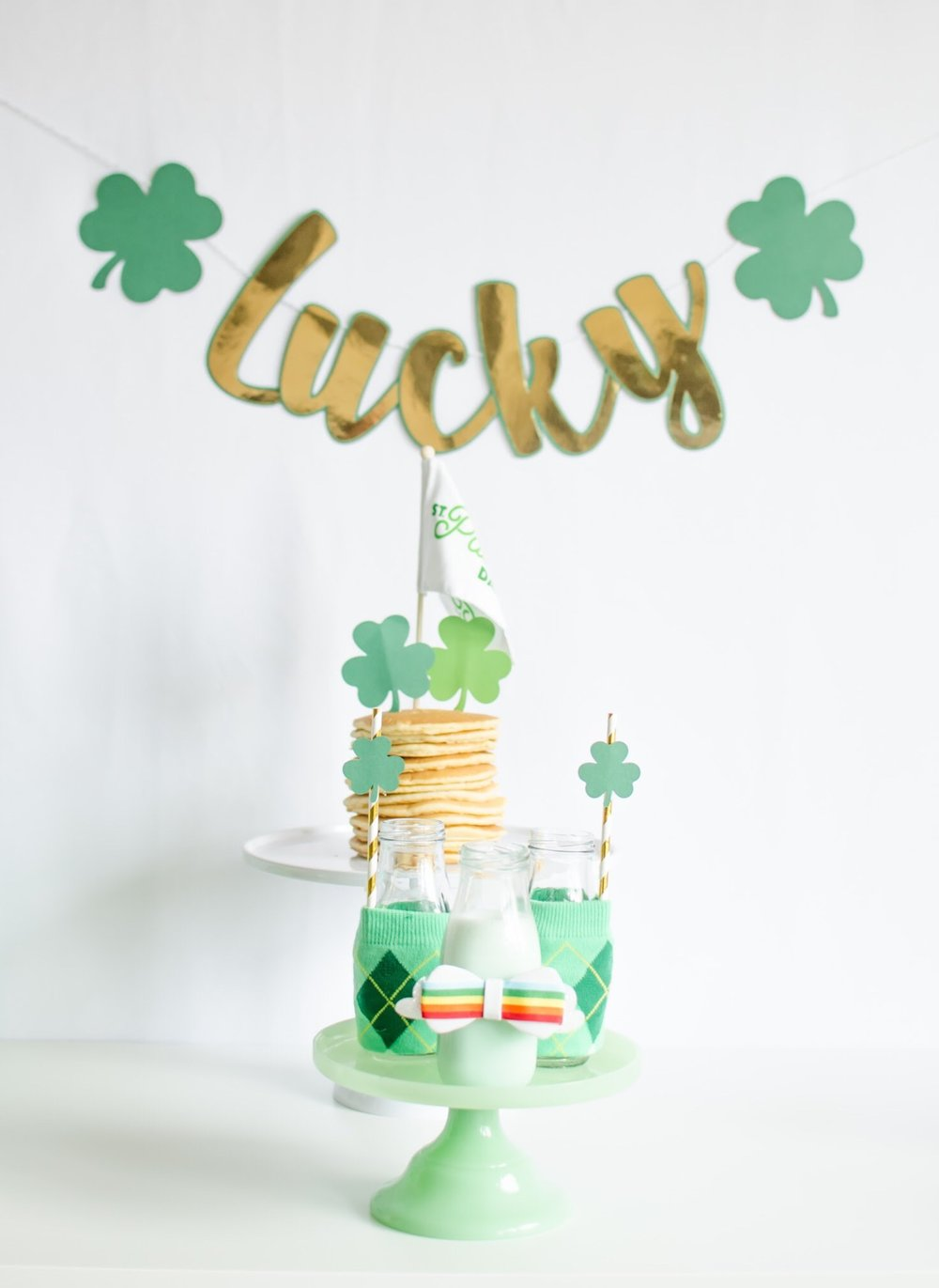 See all the green party details from this Saint Patricks Day Breakfast on Mint Event Design www.minteventdesign.com #partyideas #partydecorations #breakfastfood #saintpatricksday #stpatricksday #pancakes