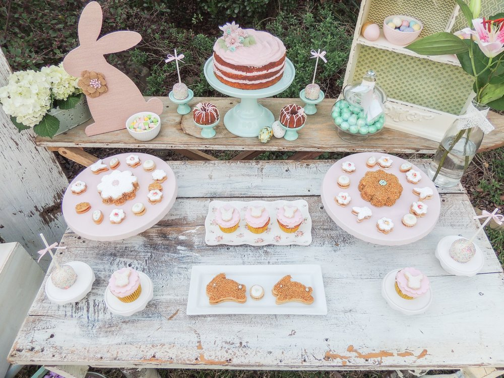 Love this Easter party idea from Mint Event Design, perfect for all those Easter egg hunts