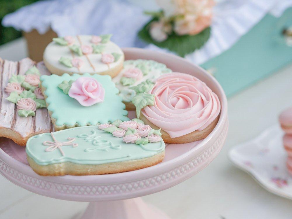 Beautiful mason jar cookie. As seen on Mint Event Design www.minteventdesign.com