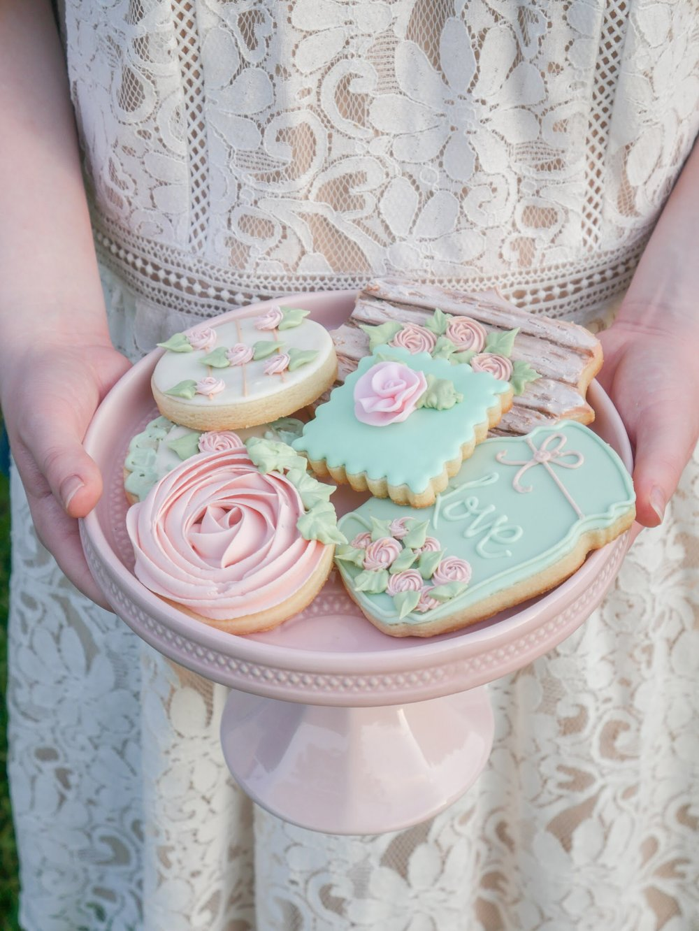 Floral cookies for a garden party. As seen on Mint Event Design www.minteventdesign.com