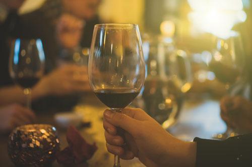 Weindegustation im Dorfladen - Folgen Sie uns auf Facebook, oder abonnieren Sie unseren Newsletter, damit Sie auf dem Laufenden bleiben.